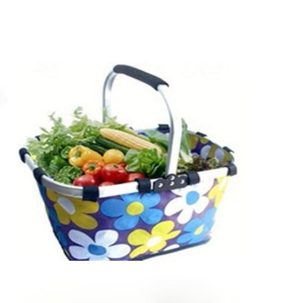 picnic basket,shopping basket